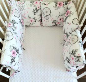Premium pillow bumper- pink dream catchers