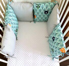 Premium pillow bumper- mint foxes