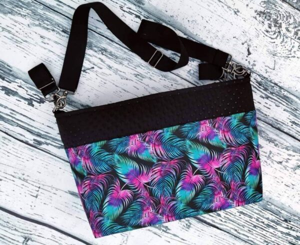 """Super mummy"" changing bag- feathers"